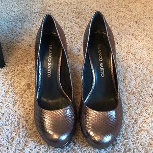 FRANCO SARTO SHINY DARK GRAY HEELS! SIZE 8